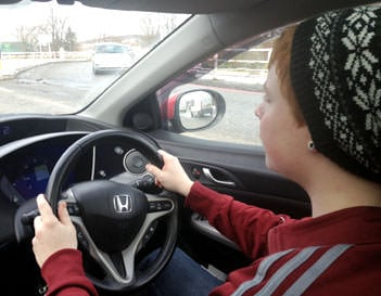 Tracking Teen Drivers – How To Use GPS Vehicle Tracking To Keep Them Safe